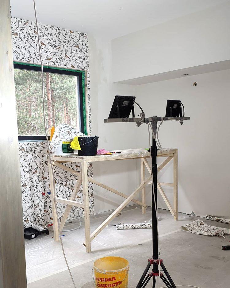 Кухонная зона совмещенная с гостиной